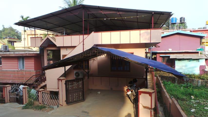 Venu home stay - Madikeri - Huis
