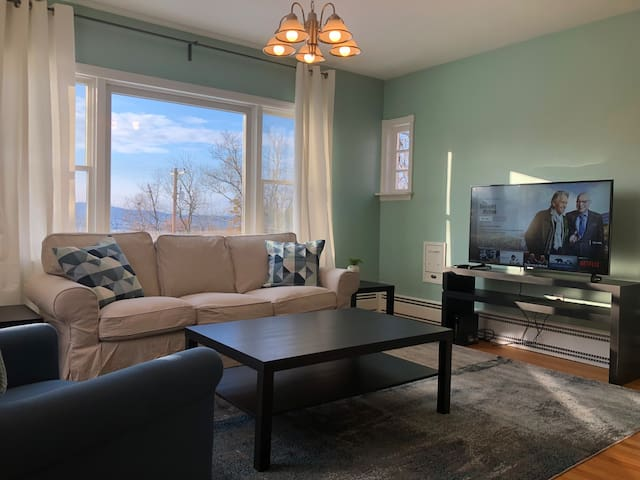 Majestic Mountain Views in Old Braddock Heights