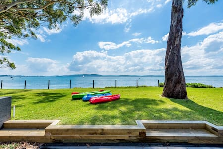 Luxury Waterfront Port Stephens 4 x Free Kayaks