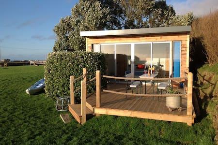 Cosy Cabin by the Sea near Tintagel & Coastpath - Tintagel - Chalet