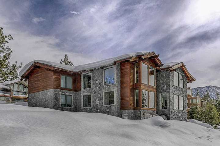 Bear Claw Estate + Complimentary Concierge Service - Carson City - Huis