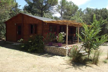 chalet de vacances a coté de l'isle sur sorgue - Saumane-de-Vaucluse - Chalet