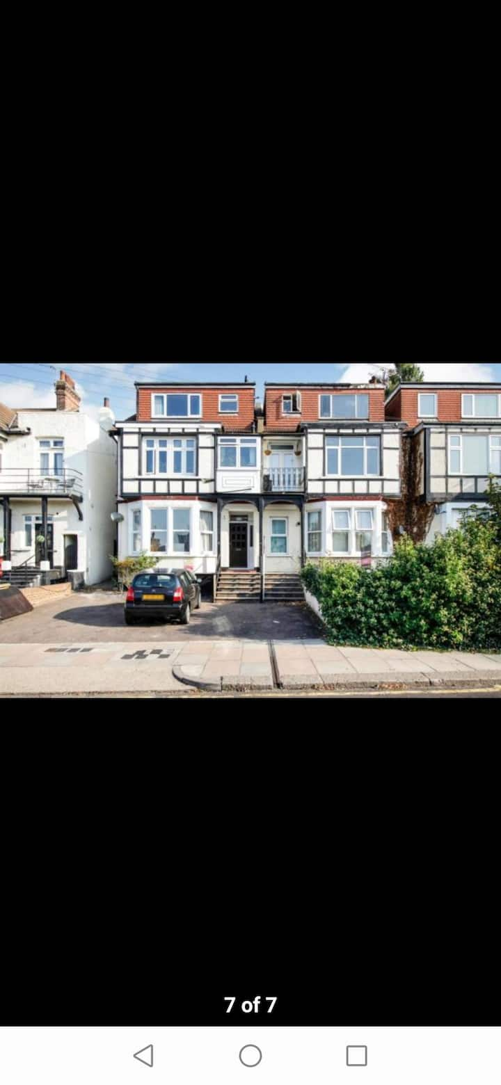 Modern Flat Close To Seafront
