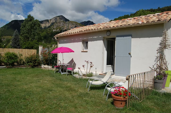 WAHO Cottage - Castellane