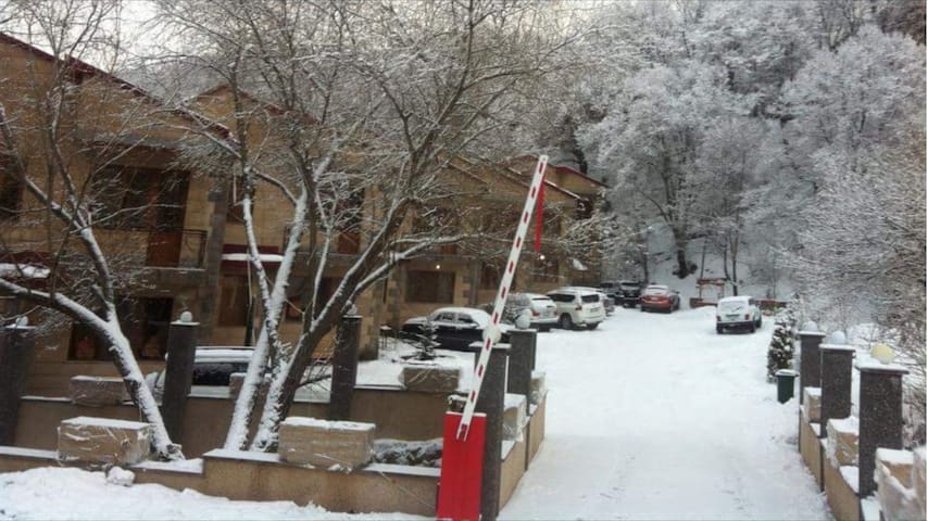 Spacious!!!close to ski lift!!! - Tsaghkadzor - Huis