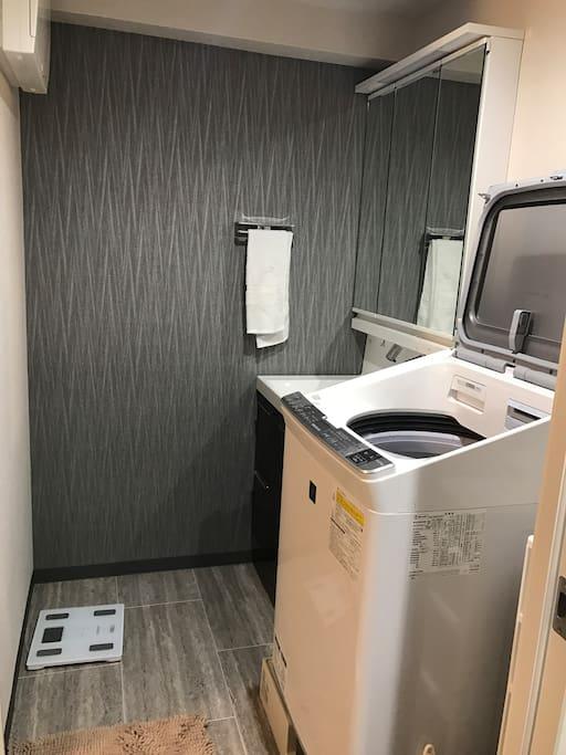 独立洗面台 室内洗衣机