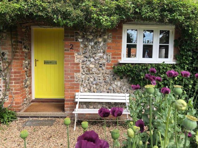Shoemakers Cottage -  2 The Big Yard