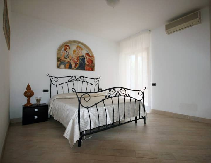 Welcome and privacy, your room in the villa