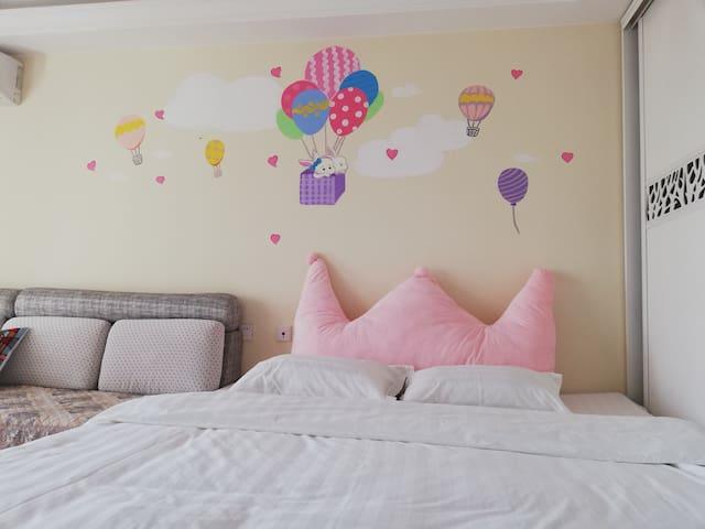海逸世家·热气球主题榻榻米公寓,近建材科师东大燕大