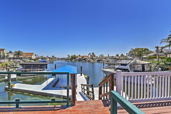 Magnificent Waterfront 3BR Discovery Bay House