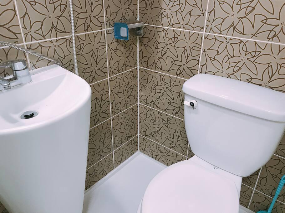 very clean shower room