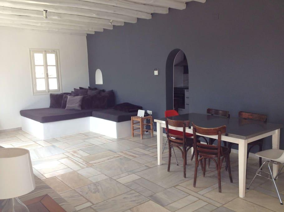 salon with sleeper lounge