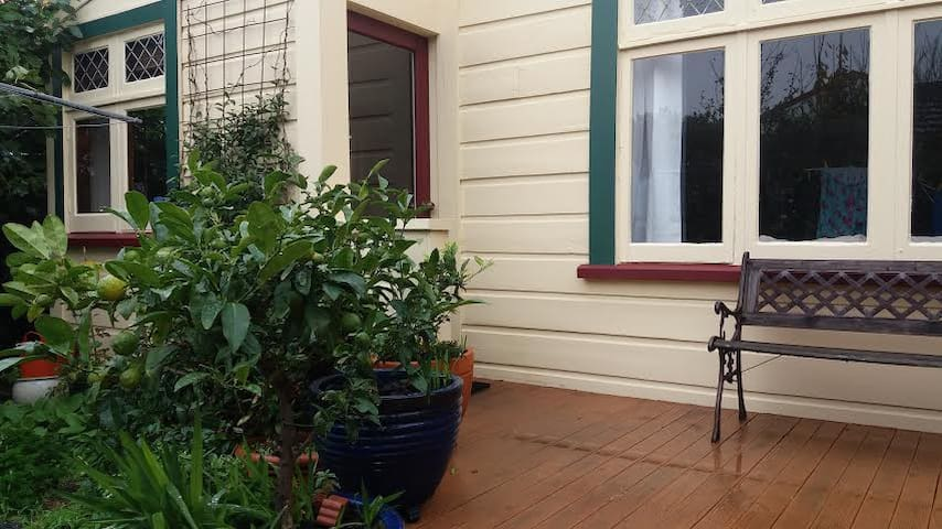 In the heart of vibrant Newtown, private and sunny - Wellington