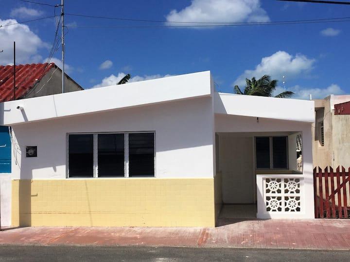 Hermosa Casa (2 habitaciones). San Felipe, Yucatán