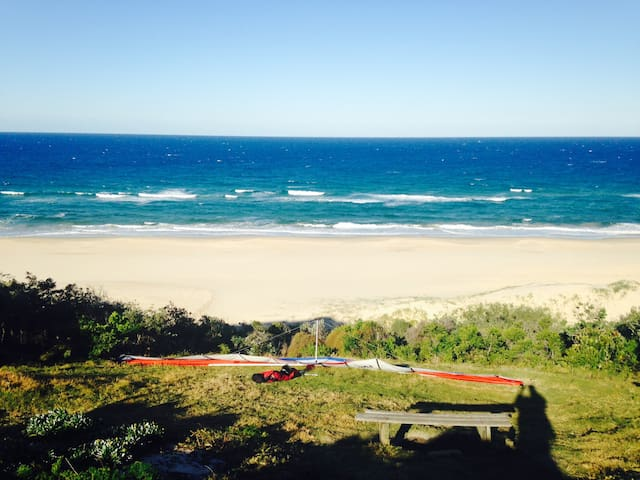 Relaxing, Beachside Townhouse. Pet Friendly - Sunrise Beach - Townhouse