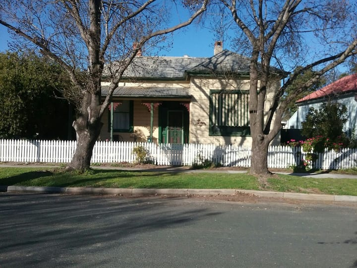 IONA, A charming victorian home