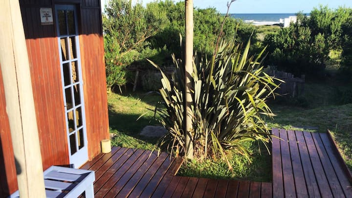 Bungalow 1 - sea view, yoga classes and breakfast!