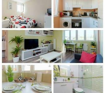 Modern & Nice Flat+WiFi+TV - Apartment