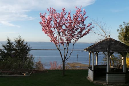 Private Oceanfront Cliff House - Atlantic Highlands