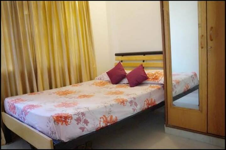Cozy Private Room w/ Dbl Bed in HSR near AgaraLake