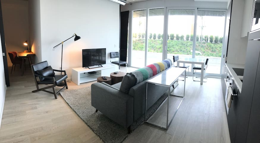Spacious 2Bed with Gorgeous Park View