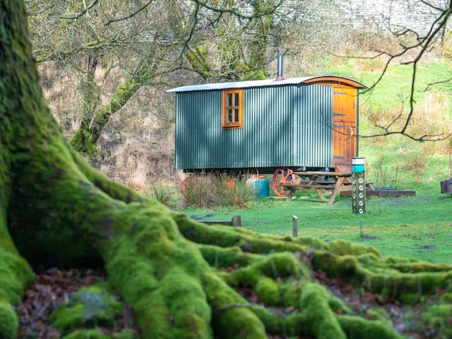 Traditional shepherd's hut in the Lake District