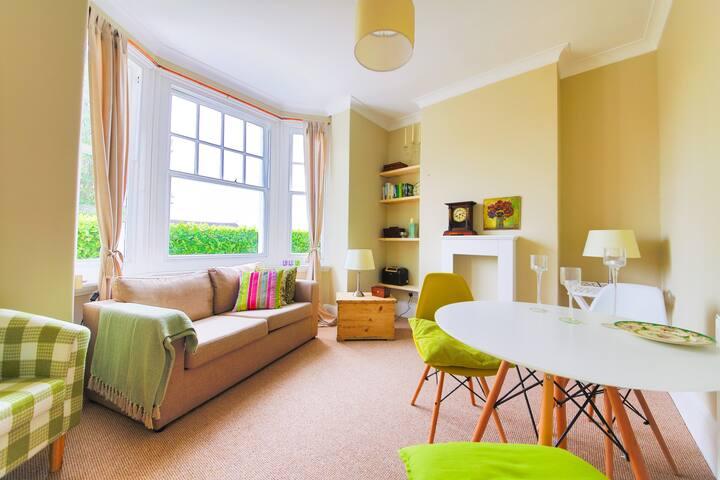 Charming 1 - Bedroom Flat in Brighton