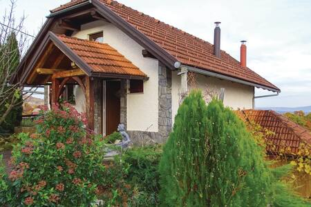 Holiday cottage with 1 bedroom on 68m² in Crnomelj