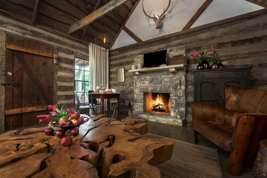 Beautiful Living Room with Rock Fireplace!