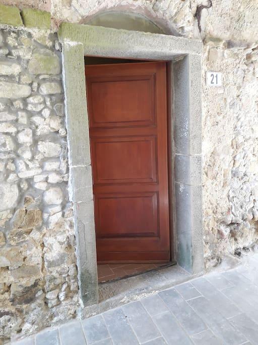 Porta ingresso_entrance door