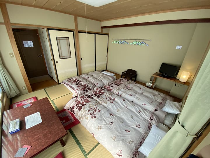 Nozawa Dream Central - 13sqm Japanese style room with private toilet and shared bathrooms