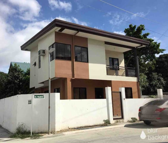 House in Paranaque City Philippines for Lease