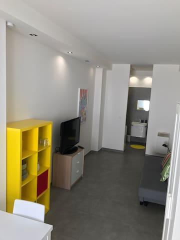 Jolie studio Loft très bien situé