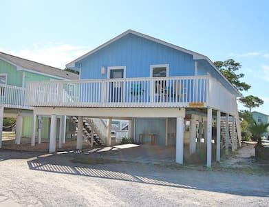 Top 20 cape san blas vacation rentals vacation homes for Furniture 4 less salinas
