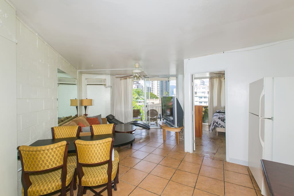spacious deluxe 2 bedroom 407 apartments for rent in honolulu