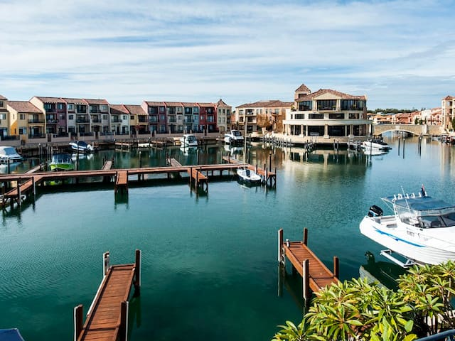100m to Avalon Beach & Canals,  Lifestyle..YES !!