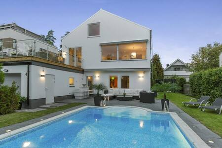 Stockholm - Villa with pool - Stockholm - Rumah
