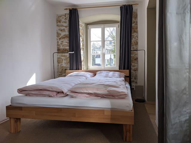 Schlafzimmer (Bett 1.60x2.00)