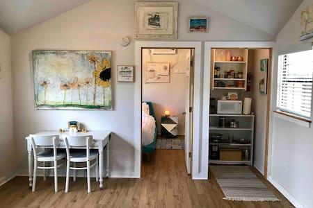Happy Moon Hideaway: a modern farmhouse cabin