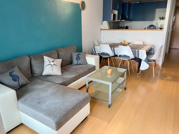 Appartement moderne avec vue piscine pour 4 pers