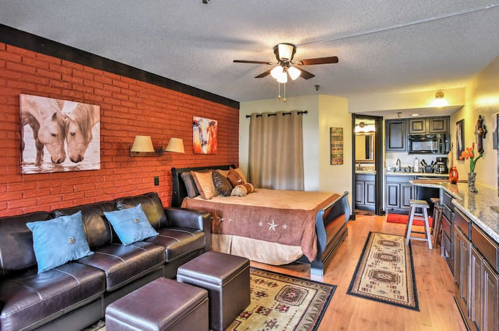 Enjoy an open floor plan, kitchenette, and full bathroom for up to 4 guests.