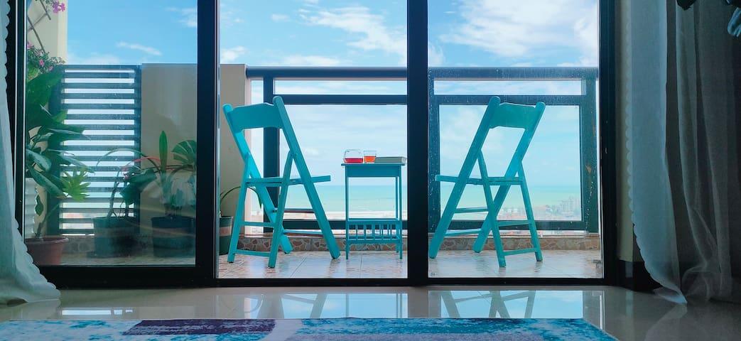 那片海~北海银滩【海天一色高层180°海景.阳台.大床房】_近银滩,涠洲岛码头,侨港风情街