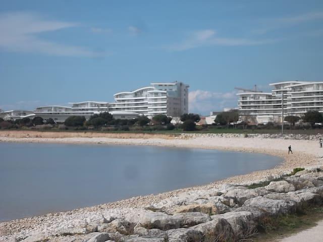 T2 dans résidence de standing 150 m de la mer