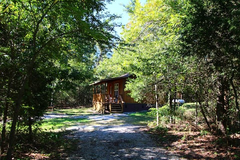 Cabin with Jacuzzi  by Lake Leatherwood Trails