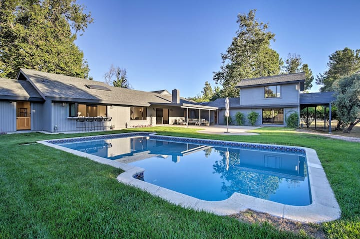 NEW-Lavish Valley Center Home w/Tennis Ct, Game Rm