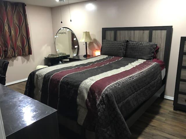 Lin Room
