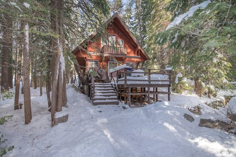Magical ski chalet in the woods