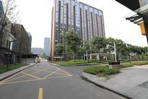 【幸运草】北欧风大床单室套 南京南站雨花客厅 地铁1号线1号出口 直达新街口