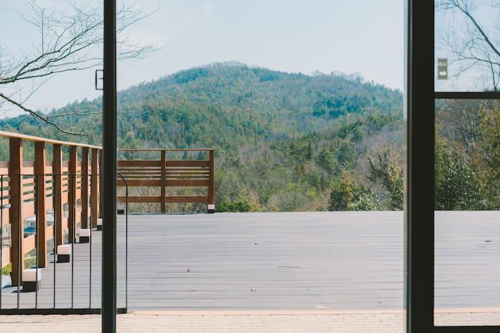 Blue Spring Villa ~森の中の邸宅~