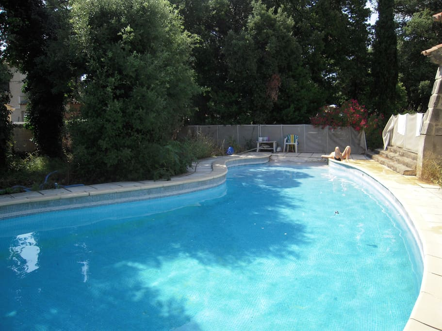 Villa sur terrain arbor piscine houses for rent in for Piscine st jean de vedas